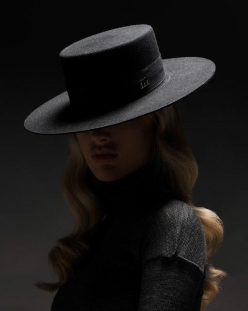 Girardi L hat