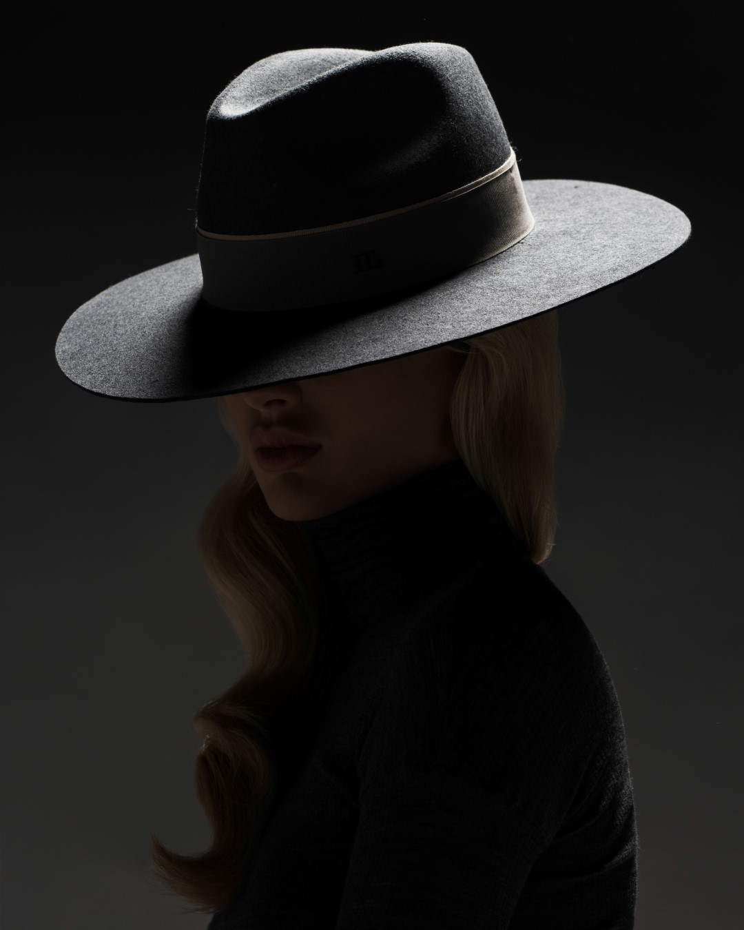 Elly dark grey hat